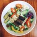 Salad bò chay cuộn nấm kim châm